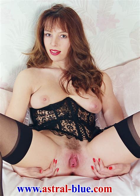 Page 3 Girl Lucy Gresty doing things she ne - XXX Dessert ...
