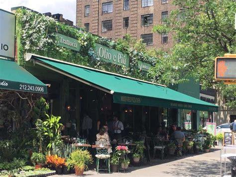 retractable awnings awnings  york  york city signs awnings awnings nyc