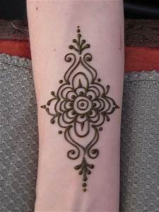 Simple Henna Hand tattoo | Henna | Pinterest | Simple ...