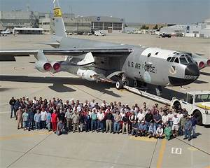 X-43A Project Team with B-52 and X-43 Stack   NASA