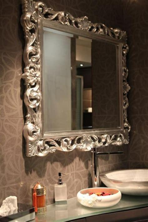 armoire coulissante cuisine le miroir baroque est un joli accent déco