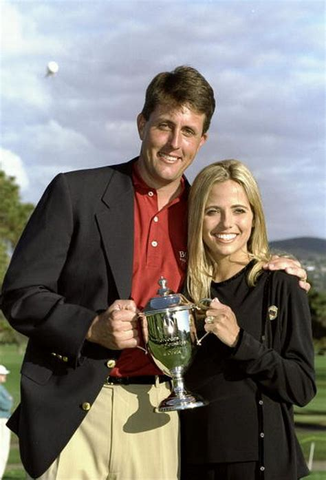 15 Photos Tell the Story of Amy Mickelson and Her History ...