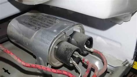 como descargar capacitor alto voltaje de horno de microondas
