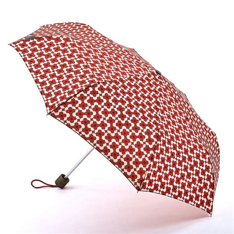 Office Desk Umbrella by 5 Must Essentials For Your Office Desk For Working