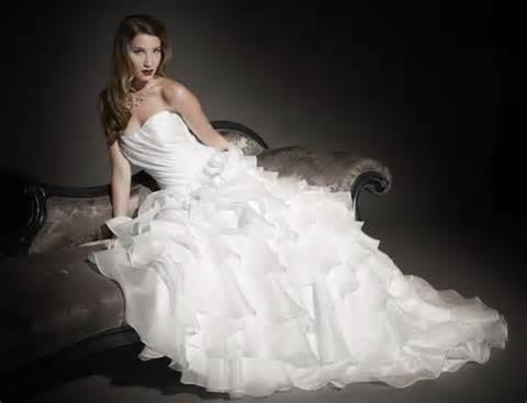 robe invitã de mariage le mariage de luxe est il à la portée de tous leprestigieux