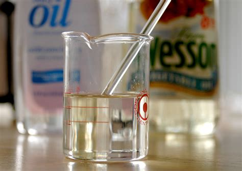 how to make glass l how to make glass disappear or invisible in a clear liquid