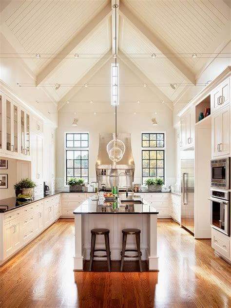 traditional kitchen  white pained  sherwin williams