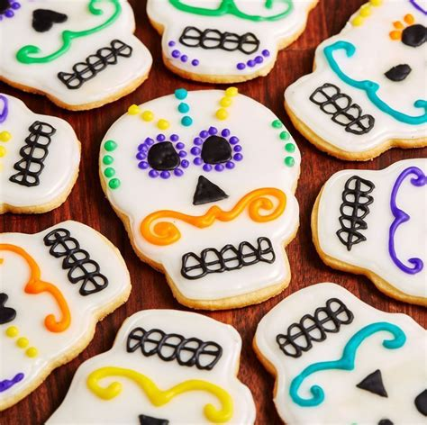 15+ Foods (And Drinks) To Make For Your Día De Los Muertos ...