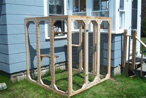 outdoor cat patio enclosures safekitty products page