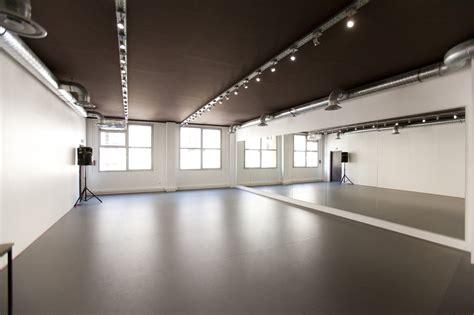 2 10eme studio bleu