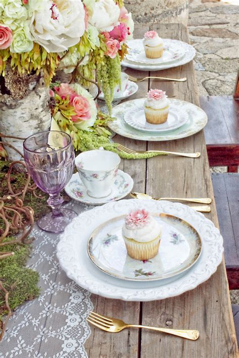 shabby chic wedding table settings shabby brocante summer tablescapes