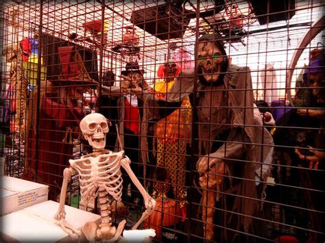 Halloween Express Clarksville Tn by Halloween Express Is Sure To Impress