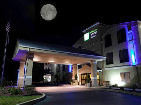 Holiday Inn Express & Suites Plymouth Hotel By Ihg. Novotel Hyderabad Airport Hotel. Red Tussock Motel. Best Western Plus Brampton. Towers Rotana Dubai. Apartments Agava. Guest Gardens Motel. Schlosshotel Diedersdorf. Bacata Hotel