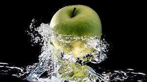 Green apple in a splash of fresh water HD wallpaper | HD ...