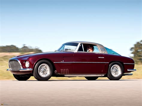 These questions are probably far from troubling the mind of the lucky bidder that will snatch this stunning 1954 ferrari 375. Photos of Ferrari 375 America Vignale Coupe (0327 AL) 1954 (2048x1536)