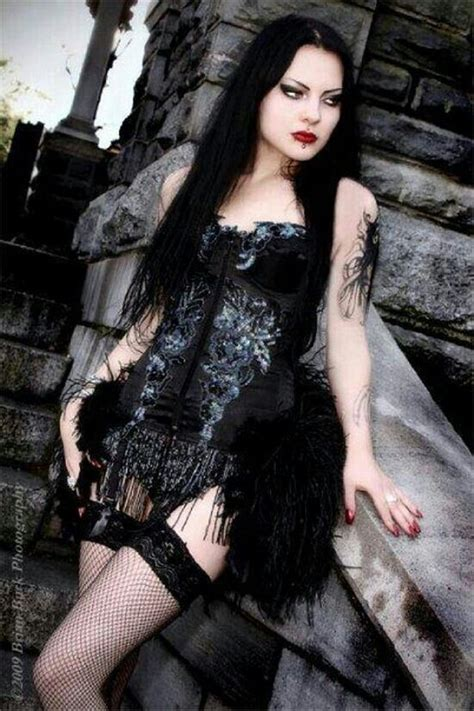 the 25 best gothic girls ideas on pinterest goth girls