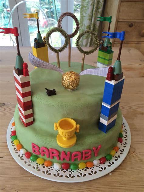 harry potter quidditch themed cake en  gateau