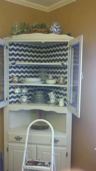 starch and hutch 1000 ideas about corner china cabinets on