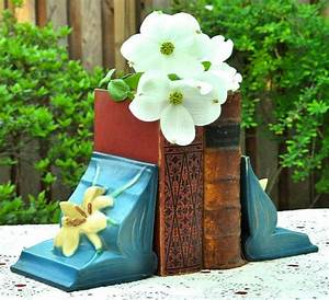 Roseville Zephyr Lily Bookends Arts & Crafts Botanical