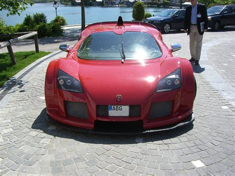 Gumpert Apollo 1.jpg