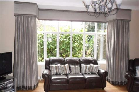 how to dress a square bay window with blinds and curtains