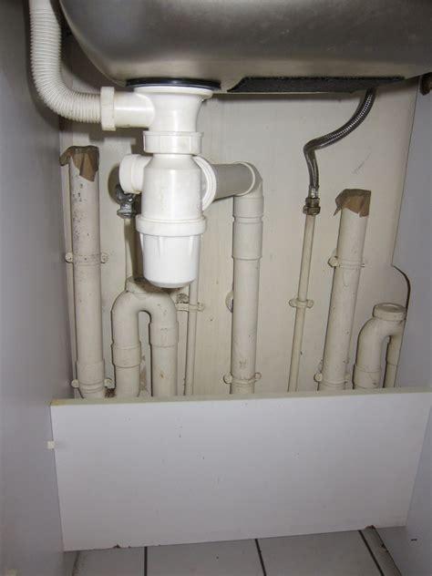 lavabo cuisine bouché evier et lavabo bouchés suite à nettoyage siphons