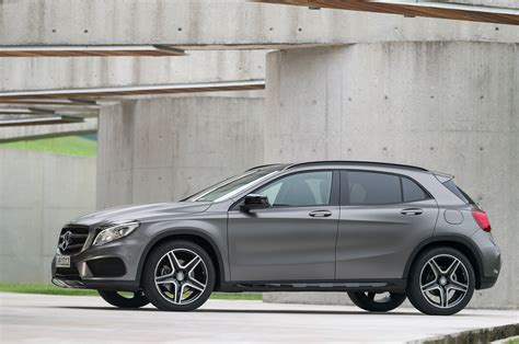Properly equipped any glk can tow up to 3500 pounds. 2015 Mercedes-Benz GLA 250 4MATIC Design - Carspoon.com