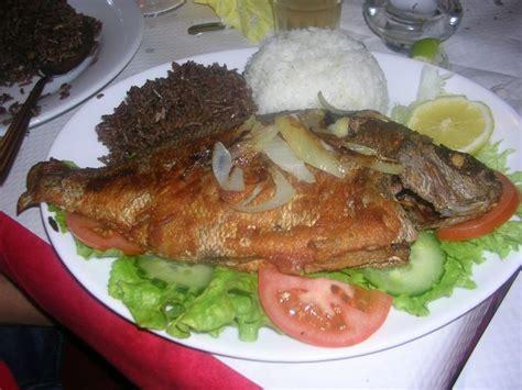 cuisine creole poisson frit avec riz djon djon et riz parfumé cuisine