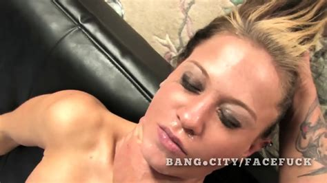 Upside Down Woman Eye Contact Oral Sex Eporner