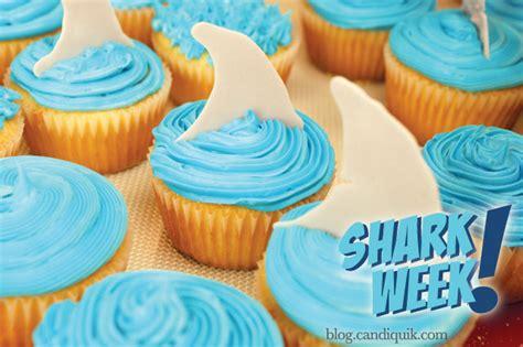 shark fin cupcake toppers