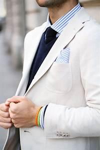Hemd Pullover Kombination : dezente kombination aus wei em sakko leichtem dunkelblauen pullover und blau wei gestreiftem ~ Frokenaadalensverden.com Haus und Dekorationen