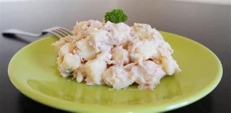 cuisiner avec des restes salade de pommes de terre froide au thon aux fourneaux