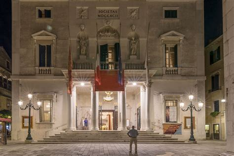Ingresso Teatro Ingresso Para O Teatro La Fenice Audioguia Veneza