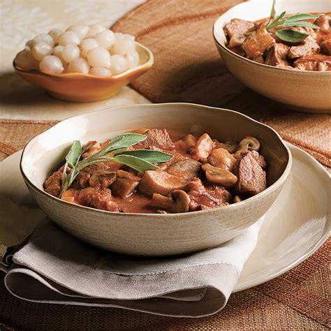cuisine à la mijoteuse fricassée de veau aux chignons à la mijoteuse