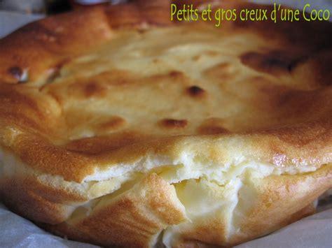 gateau l 233 ger au fromage blanc de cl 233 a aux pommes bananes petits et gros creux d une coco