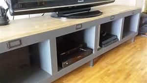 Meuble Tv 1m : un meuble t l industriel avec une tag re expedit kallax ~ Teatrodelosmanantiales.com Idées de Décoration
