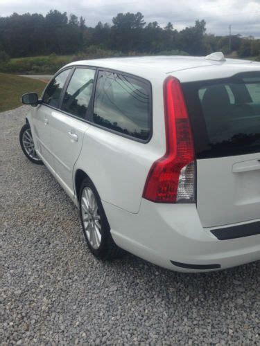 find   volvo   wagon  door
