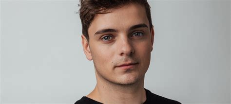 """We are the people is a song created by martin garrix featuring bono & the edge from u2, which is the official song of uefa euro2020 football tournament. 08 DE JULIO DE 2014: MARTIN GARRIX LANZA EL EP """"GOLD SKIES ..."""