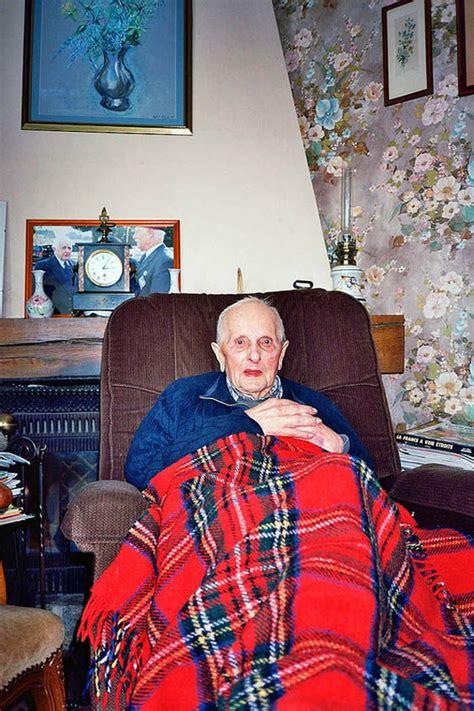 declining grandparent photography