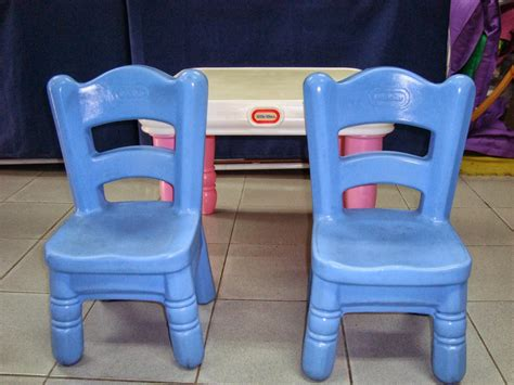 tikes classic table and chairs wallpaper