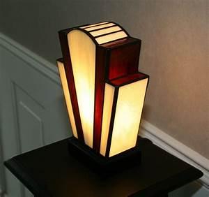 Lampe Art Deco : lampe deco lampe chevet fille marchesurmesyeux ~ Teatrodelosmanantiales.com Idées de Décoration