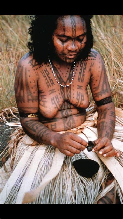 motuan woman  ready  tattoo photo  cochrane