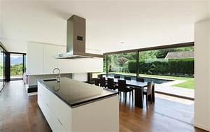 Open Kitchen Designs: The Advantages of Kitchen Islands