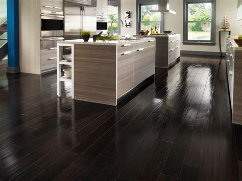 Home Decor Laminate Flooring : Modern Kitchen Decor With Awesome Dark Stained Laminate