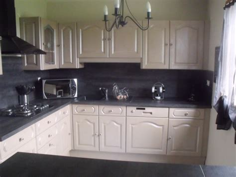 exemple de cuisine repeinte cuisine repeinte en gris trendy compltes with cuisine