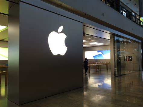 where are photos stored on iphone repairs cost 3 times more at apple store in las vegas vs