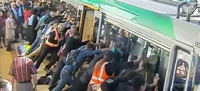 Train Lift Perth Commuters Trapped Australia Uplifting