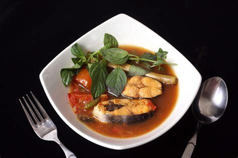 The most hot and spicy south sumatran pindang variant from meranjat village, ogan komering ilir regency, uses iwak salai (smoked fish) made from catfish, patin. Resep Pindang Ikan Patin - Resep Masakan 4
