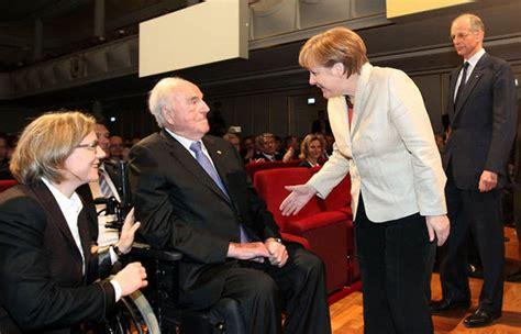 Photo Gallery Is Helmut Kohl Being Held Like Helmut Kohl Warns Angela Merkel Germany 39 Can 39 T Become