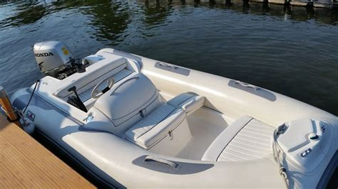 Inflatable Boats Midland Ontario by Avon Inflatable 400 Dlx 2004 Used Boat For Sale In Midland
